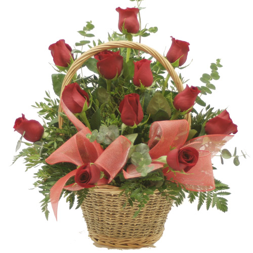 2062 - Basket of Red Roses